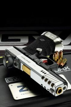 Glock ZEV Technologies Weapons Guns, Survival Weapons, Guns And Ammo, Arma 3, Custom Guns, Custom Glock 19, Armures, Concealed Carry, Cool Guns