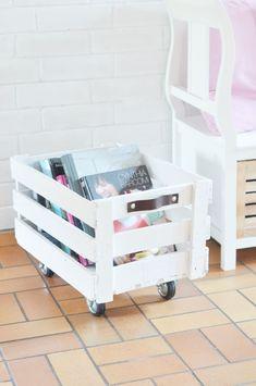 Wohnidee für alte Obstkiste - DIY Anleitung für eine rollende Aufbewahrungsbox. Deko und Aufbewahrung aus upcycling Material