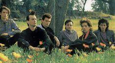 Virus en Chile , 1986 . Rock Argentino, Couple Photos, Couples, Chile, Beautiful, Dads, Argentina, Musica, Fotografia
