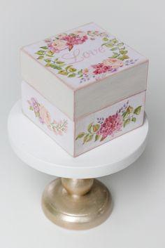 Потрясающе-красивые цветы гортензии стали вдохновением для этой шкатулки! Для ценителей роскошных букетов и композиций Шкатулка для колец на свадьбу от мастерской Авторский Киоск