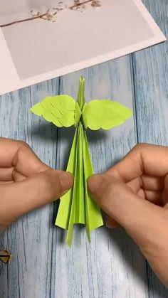 Paper Flowers Craft, Easy Paper Crafts, Paper Crafts Origami, Diy Arts And Crafts, Flower Crafts, Paper Crafting, Kids Crafts, Flower Paper, Kids Diy