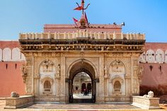 The Shri Karni Mata Temple in Deshnoke, India is unlike any other Hindu temple in the world. In this temple, rats reign supreme. The legend goes that Karni Mata, a mystic matriarch from the 1…