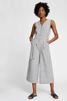 35 Fair Trade & Ethical Clothing Brands Betting Against Fast Fashion Fair Trade Clothing Brands, Sustainable Clothing Brands, Sustainable Fabrics, Ethical Clothing, Ethical Fashion, Sustainable Fashion, Sustainable Style, Fast Fashion, Slow Fashion