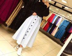 Muslim Fashion 792492865659444684 - Genç Tesettür Source by Hijab Fashion Summer, Modern Hijab Fashion, Hijab Fashion Inspiration, Muslim Fashion, Modest Fashion, Fashion Outfits, Moda Hijab, Hijab Fashionista, Casual Hijab Outfit