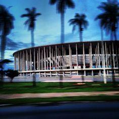 O Estádio Nacional de Brasília irá receber sete jogos na Copa do Mundo e está localizado no Plano Piloto na zona central da Cidade. Confira! Foto: @aparecidaignez.