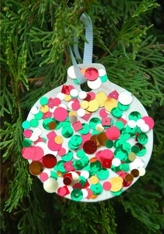 Last Trending Get all images kids christmas decorations Viral sequin ornaments Christmas Decorations For Kids, Paper Christmas Ornaments, Christmas Ornament Crafts, Holiday Crafts, Spring Crafts, Christmas Crafts For Kids To Make, Christmas Activities, How To Make Ornaments, Homemade Ornaments