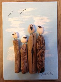 See more ideas about Pebble art, Stone art and Painted rocks. Stone Crafts, Rock Crafts, Modern Backyard Design, Backyard Designs, Modern Design, Art Plage, Art Rupestre, Art Pierre, Pebble Pictures