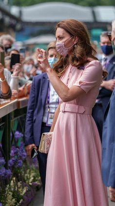 Kate Middleton Wimbledon, Kate Middleton Dress, Middleton Family, Kate Middleton Style, Duchess Kate, Duke And Duchess, Duchess Of Cambridge, Kate And Pippa, Prince William And Catherine