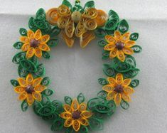 Sunflower Wreath by QuillPaperTreasures on Etsy Paper Quilling Patterns, Quilling Paper Craft, Quilling Cards, Quilling Designs, Quilled Creations, Sunflower Wreaths, Paper Frames, Paper Beads, Easter Wreaths