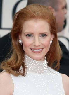 Jessica Chastain Jewel Tone Eyeshadow - Jessica Chastain Beauty Lookbook - StyleBistro