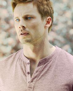"""Damien"" Bradley James as Damien Thorn Rei Arthur, Merlin And Arthur, James Arthur, King Arthur, Most Beautiful Man, Gorgeous Men, Beautiful People, Hot Actors, Actors & Actresses"