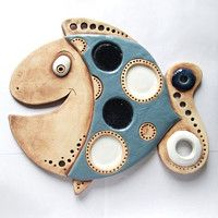 金魚 Home Trends 2017 home color trends Folk Art Fish, Fish Wall Art, Fish Art, Ceramic Mask, Ceramic Clay, Clay Wall Art, Clay Art, Slab Pottery, Pottery Art