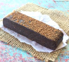 No-Bake Chocolate Black Bean Protein Bars (vegan+glutenfree) - Health and wellness: What comes naturally Vegan Protein Bars, Vegan Bar, Protein Bar Recipes, Vegan Protein Powder, Chocolate Protein Powder, Brownie Recipes, Vegan Recipes Easy, Baking Recipes, High Protein