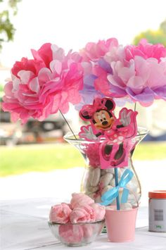 Sienna's Minnie Mouse Birthday Party - Make your own Minnie Mouse Flower Arrangements!