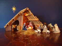 I love this nativity - planning to DIY the stable this year!