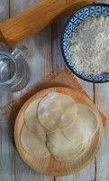 ¿No puedes encontrar láminas de pasta para wonton o empanadillas chinas en el supermercado? Hazlas en casa, es fácil! Para sopa de wonton, empanadillas chinas, gyozas japonesas y mandu coreano.