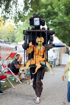 robot cage creature