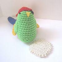 CROCHET N PLAY DESIGNS: Free Crochet Pattern: Polly Wants a Cracker