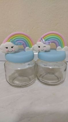 Lembrancinhas pote de papinha decorados com Biscuit tema chuva de bençãos ou chuva de amor.