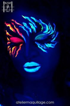 Nice glow in the dark face paint #coolglow #glowart