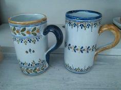 Jarras de Ceramica talavera.selladas y numeradas.pintadas a mano.medidas 13cm. Precio 28e unidad. Telefono 670794048, Maria