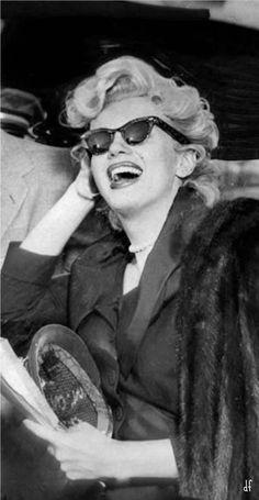 Marilyn Monroe. Que risada linda