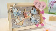 Geldscheine an der Wäscheleine zur Hochzeit