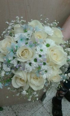 Kytice a dekorace z květin.