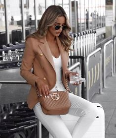Amazing Winter Fashion Outfits 2018 Ideas 17 - My Style - Bikini Mode Blazer Outfits For Women, Casual Outfits, Office Outfits, Classy Outfits For Women, Women Blazer Outfit, Classy Chic Outfits, Classy Going Out Outfits, Casual Work Outfit Summer, Business Outfits Women