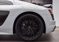 How about this Suzuka grey / black wheels contrast? #newR8 in #Suzukagrey #Audi #R8 #quattro // : @pe_exotics // #audidriven - a 'state of mind' oooo #AudiR8  #greyR8 #R8color #R8Plus #quattroGmbH #AudiSport #v10 #R8v10 #wantanR8 #R8Coupe #Audicolor #greyAudi #suzukagreyR8 #AudiSouthAfrica #portelisabeth #southafrica #africa #blackwheels