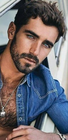 Teenage Boy Hairstyles, Hipster Hairstyles Men, Beautiful Men Faces, Gorgeous Eyes, Handsome Actors, Handsome Boys, Hairy Men, Bearded Men, Sexy Shirts
