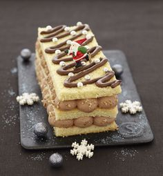 Christmas cake with Nutella, the recipe of Ôdélices: Find the ingredients, the preparation, similar Xmas Food, Christmas Cooking, Christmas Desserts, Christmas Log, Nutella Snacks, Mousse Au Nutella, Bolo Original, French Appetizers, French Pastries