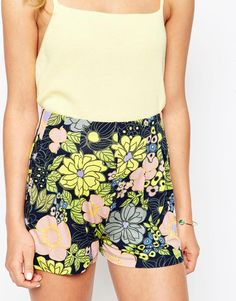 Image 3 of ASOS Pleated Culotte Shorts in Retro Floral Print