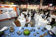 Afternoon Tea Party, with the motif of the traditional English afternoon tea party culture, was held at Cafe Show 2013