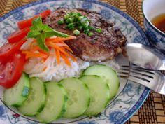Bếp Nhà Tui: Sườn Cốt Lết Nướng Sả Vietnamese Pork, Vietnamese Recipes, Viet Food, Saveur, Meat, Kitchens