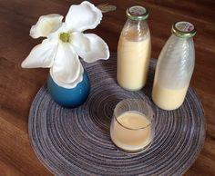 Rezept Purer Weißer Schokoladen Likör ...    100 g weiße Schokolade oder Kuvertüre     100 g Zucker     1 Ei     200 g Sahne     200 g Milch     200-250 g Korn oder Wodka (je nach Geschmack)