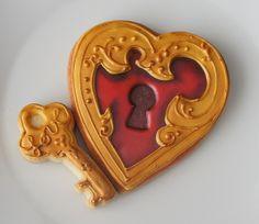 heart and key #Valentines #Cookies These are super cute! Great design idea! We love! :-) Awesome idea key to my heart!