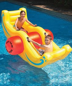 Rock and roll atop the waves on this silly see-saw float. Constructed from durable materials and featuring built-in handles and room for two, it's the perfect place to engage in active aquatic adventures.