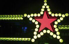 Diseño de Interiores para Heineken. Proyecto de diseño de interiores realizado por nuestro estudio de diseño en 2015. Este y otros proyectos de diseño aquí. Birthday Candles, Club, Heineken, Design Projects, Studio Apartment Design, Interior Design