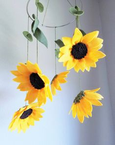 Hey, I found this really awesome Etsy listing at https://www.etsy.com/listing/387045432/sunflowers-felt-crib-mobile-felt-flowers