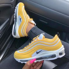 Stylish pair of 2019 Nike Air Max shoes in a yellow, white and black colour way. Girl shows her fresh Nike sneakers Cute Sneakers, Sneakers Nike, Nike Trainers, Yellow Sneakers, Souliers Nike, Yellow Nikes, Yellow Heels, Nike Air Shoes, Aesthetic Shoes
