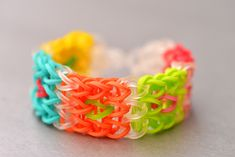 How to Make the Cube Rainbow Loom Bracelet