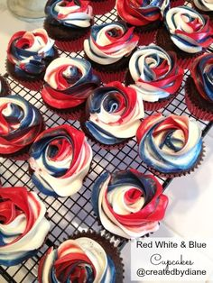 Red White and Blue Cupcakes Tricolor rose frosting /createdbydiane/ Patriotic Desserts, Blue Desserts, 4th Of July Desserts, Holiday Desserts, Holiday Recipes, Patriotic Cupcakes, 4th Of July Cake, Fourth Of July Food, 4th Of July Party