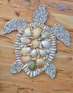 Octopus, Seahorse and Sea Turtle Wall Art, Stained Glass and Seashell Mosaic Sea… Oktopus, Seepferdchen und Meeresschildkröte Wandkunst, Glasmalerei und Muschel Mosaik Meerestiere von Lucy Sea Crafts, Diy And Crafts, Arts And Crafts, Sea Turtle Crafts, Sea Turtle Art, Nature Crafts, Summer Crafts, Baby Crafts, Seashell Art
