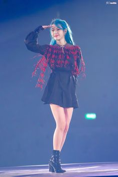 2019 Tour Concert in Seoul Korean Actresses, Asian Actors, Stage Outfits, Kpop Outfits, Asian Woman, Asian Girl, Warner Music, Art Anime, Beauty Illustration