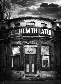 Filmtheater Dresden, Galactik Football, Writing Photos, Black And White Photo Wall, A Level Art, World Photography, Vintage Cameras, Filming Locations, Aesthetic Vintage