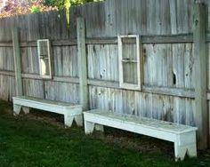 This would be a great way to add a little somethin' to a boring narrow garden.
