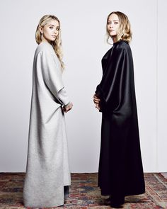 Olsens Mary Kate Ashley Olsen Harpers Bazaar September 2014 Black And Grey The Row Mary Kate Ashley, Mary Kate Olsen, Ashley Olsen, Odette Et Lulu, Olsen Twins Style, Olsen Twins Fashion, Harpers Bazaar, Mode Inspiration, Style Icons