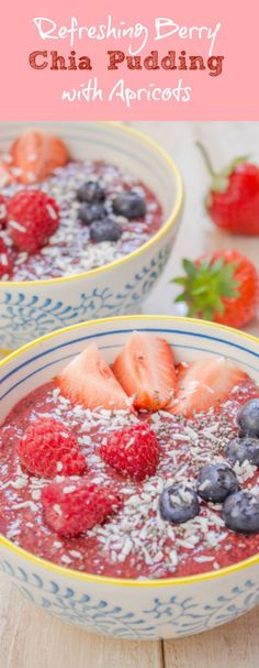 This berry chia pudding with apricots and kiwi is perfect for a healthy breakfast or a quick snack.: This berry chia pudding with apricots and kiwi is perfect for a healthy breakfast or a quick snack. Healthy Vegan Snacks, Raw Vegan Recipes, Vegan Dessert Recipes, Vegan Sweets, Dairy Free Recipes, Vegan Food, Gluten Free, Vegetarian Breakfast, Vegan Breakfast Recipes