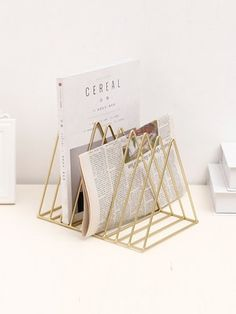 19 Ideas Over The Desk Storage Office Organization For 2019 Office Organization At Work, Book Organization, Office Setup, Office Style, Office Ideas, Organizing, Desk Storage, Storage Baskets, Storage Rack